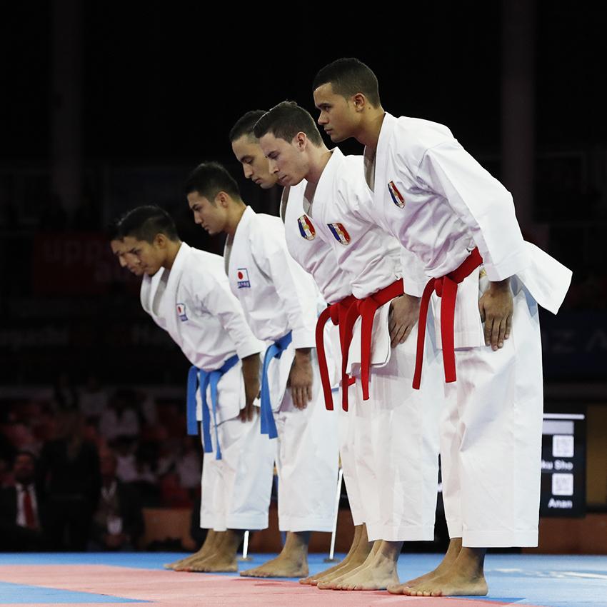 L'équipe masculine kata défaite par le trio japonais. / © Denis Boulanger / FFKDA