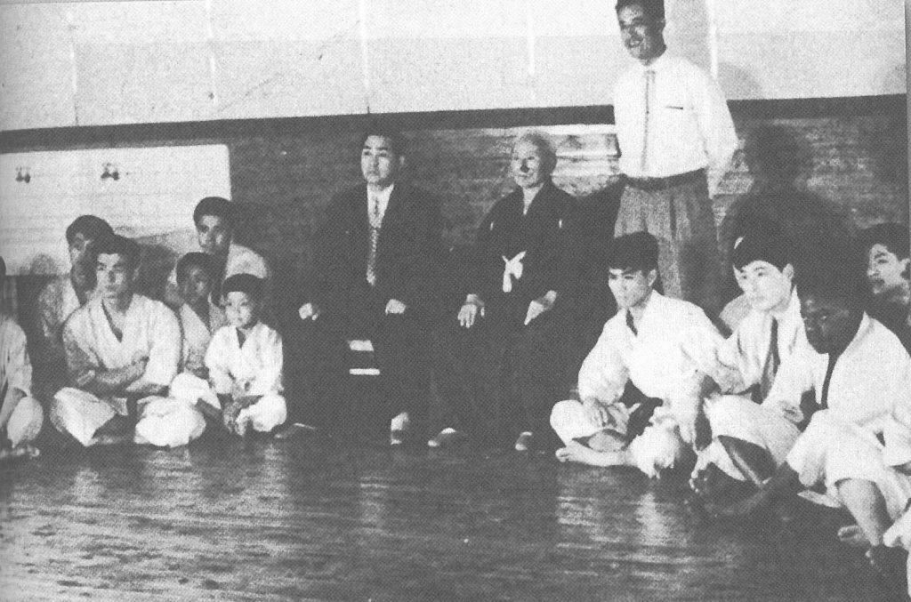 Kase et Funakoshi_1955