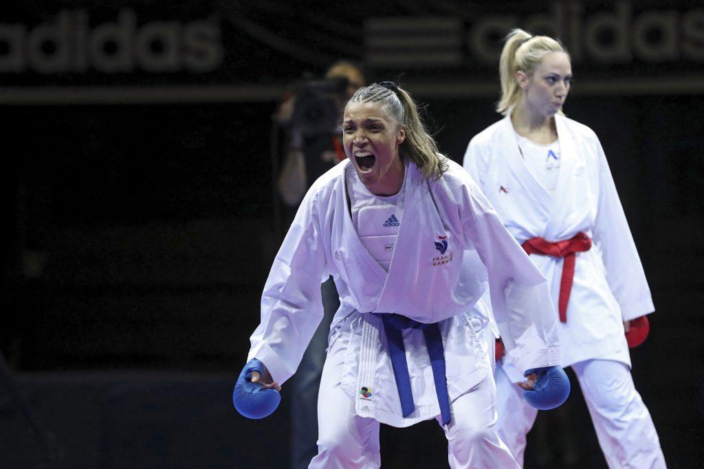 finale combat feminin -61kg florentin (anne laure) (fra) ceinture bleu chatzialidour (eleni) (gre) ceinture rouge