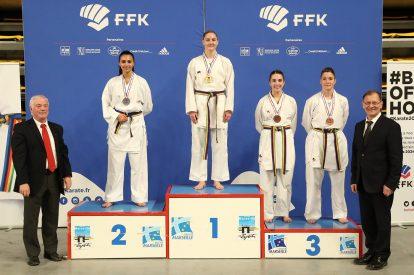 Forte consonance provençale sur le podium des -68kg, avec le titre pour la championne d'Europe Alizée Agier passée par le Spartan KC de Marseille, devant l'Arlésienne Assia Oukhattou et la Phocéenne Laurie Thiébault (à droite).